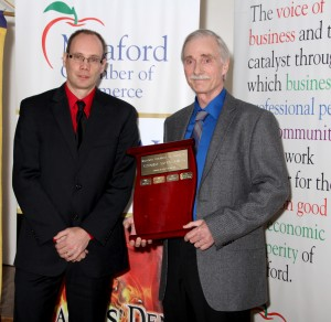 Bill Monahan of HomeBUTTONS accepting the Customer Service Award- Sponsored by Knight's Home Building Centre, Presented by Tyler Knight